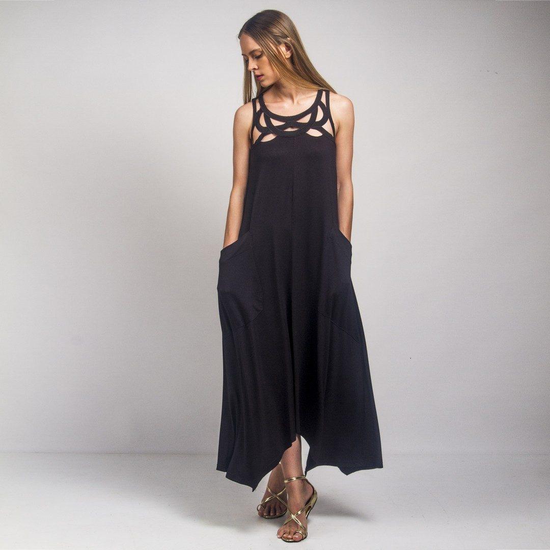 0c93edb383cd Φαρδύ μαύρο φόρεμα με μοτίφ - Γυναικεία Ρούχα - Φορέματα - Xanashop