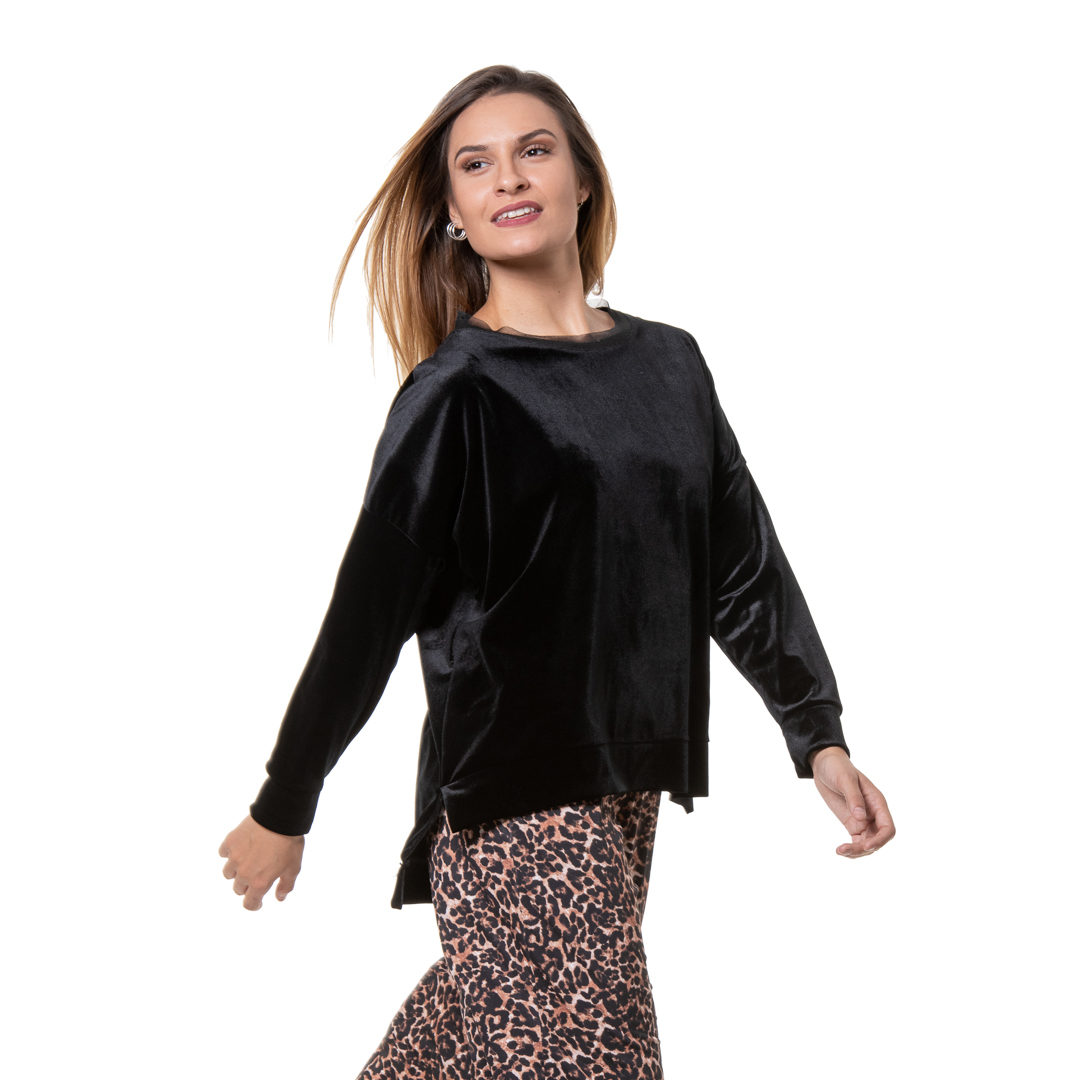 ccc07ecd2d0b Βελούδινη μαύρη μπλούζα - Γυναικεία Ρούχα - Φορέματα - Xanashop