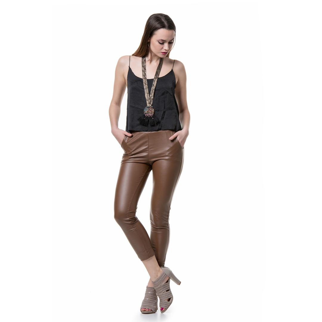 cdc926b7e791 Ελαστικό παντελόνι σε καμηλό δερματίνη - Γυναικεία Ρούχα - Φορέματα ...