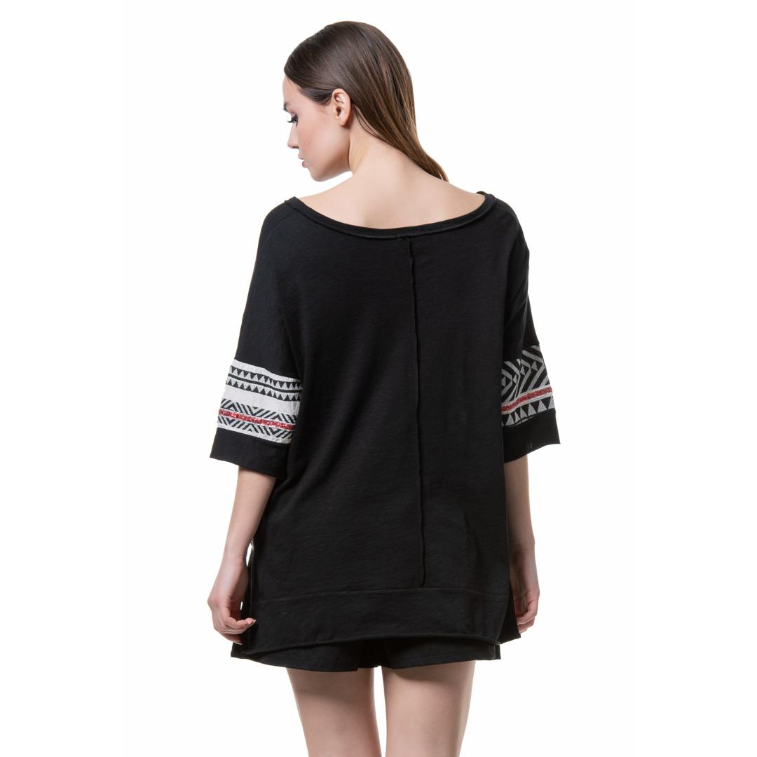 59a96854978b ... Γυναικεία Ρούχα » Μπλούζες-Τοπ » Φαρδιά βαμβακερή μπλούζα με υφαντές  λεπτομέρειες. 27% Off. prev
